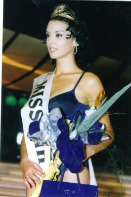 Miss BiH za 2001 godinu je Ana-Mirjana Račanović